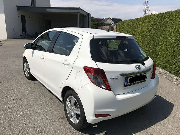 verkauft toyota yaris 1 0 vvt i active gebraucht 2012 km in leibnitz. Black Bedroom Furniture Sets. Home Design Ideas