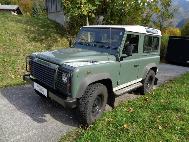 verkauft land rover defender 90 39 39 stat gebraucht 2007 km in st gilgen. Black Bedroom Furniture Sets. Home Design Ideas