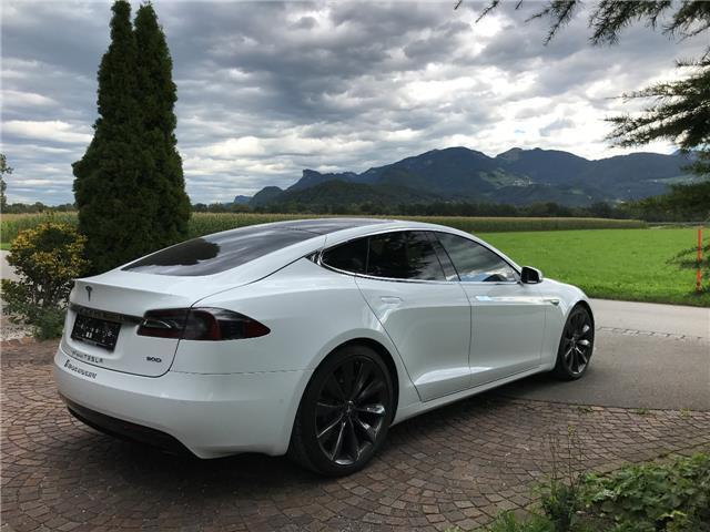 verkauft tesla model s 90d allrad mit gebraucht 2017 7. Black Bedroom Furniture Sets. Home Design Ideas