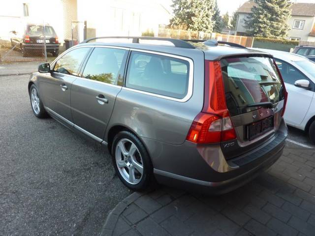 verkauft volvo v70 drive kinetic kombi gebraucht 2011 km in wels. Black Bedroom Furniture Sets. Home Design Ideas