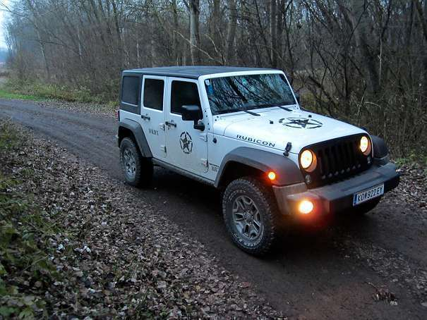 verkauft jeep wrangler rubicon unlimit gebraucht 2015 km in tulln. Black Bedroom Furniture Sets. Home Design Ideas