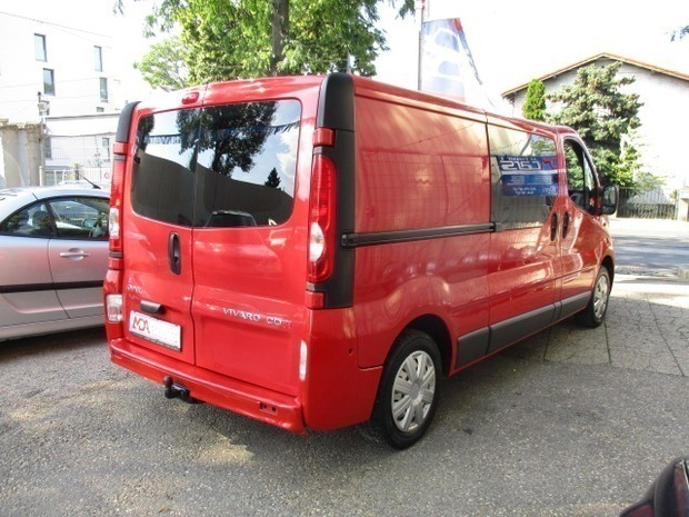 verkauft opel vivaro combi l1h1 2 0 cd gebraucht 2008 km in wien. Black Bedroom Furniture Sets. Home Design Ideas