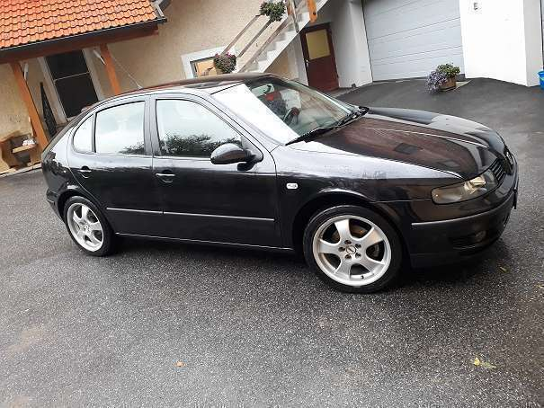 verkauft seat leon sport kombi famil gebraucht 2003 km in yspertal. Black Bedroom Furniture Sets. Home Design Ideas