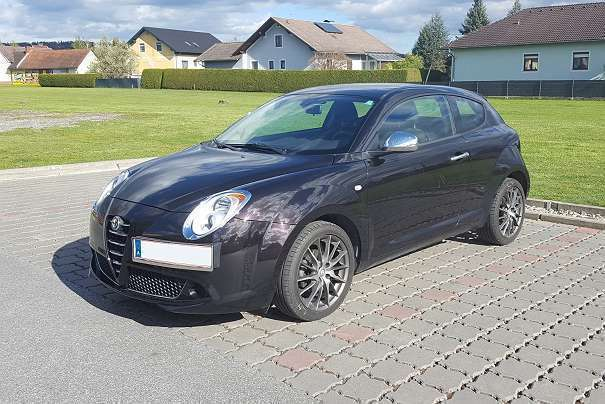 verkauft alfa romeo mito mito alfa1 4 gebraucht 2010. Black Bedroom Furniture Sets. Home Design Ideas