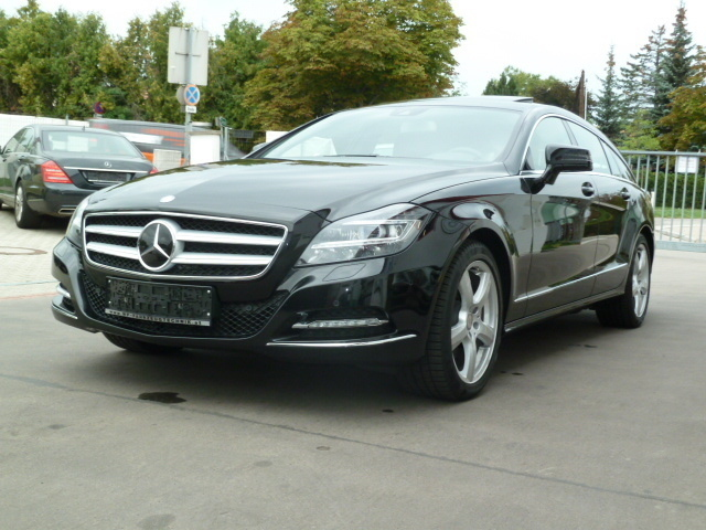 gebraucht cdi shooting brake 4matic aut mercedes cls350. Black Bedroom Furniture Sets. Home Design Ideas