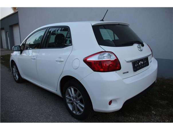 verkauft toyota auris auris1 33 dvvt i gebraucht 2010 km in gols. Black Bedroom Furniture Sets. Home Design Ideas