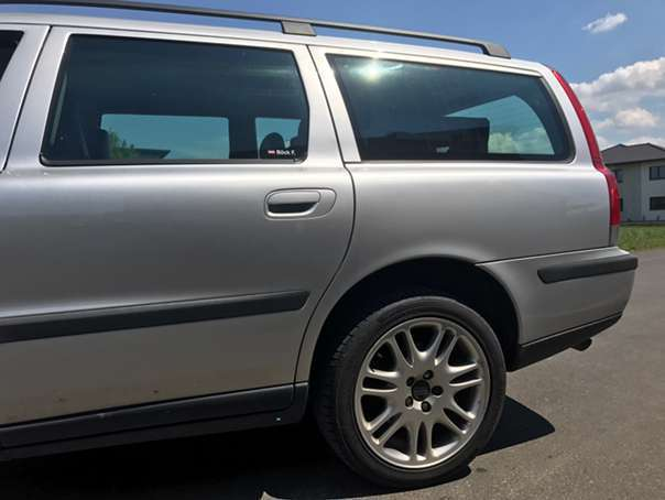 verkauft volvo v70 d5 awd kombi gebraucht 2004 km in scheibbs. Black Bedroom Furniture Sets. Home Design Ideas