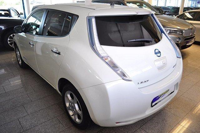 leaf gebrauchte nissan leaf kaufen 83 g nstige autos zum verkauf. Black Bedroom Furniture Sets. Home Design Ideas