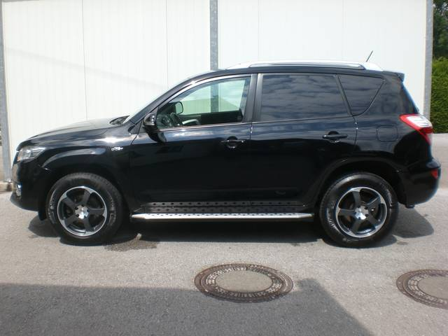 verkauft toyota rav4 2 2 d 4d 150 d ca gebraucht 2011 km in obertrum am see. Black Bedroom Furniture Sets. Home Design Ideas