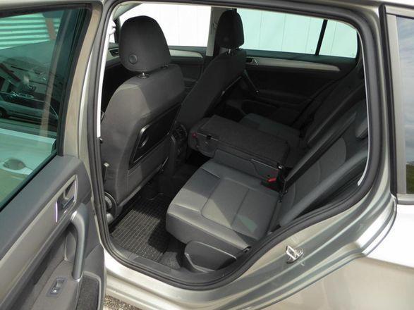 spare vw golf sportsvan 1 4 benzin 125 ps 2017. Black Bedroom Furniture Sets. Home Design Ideas