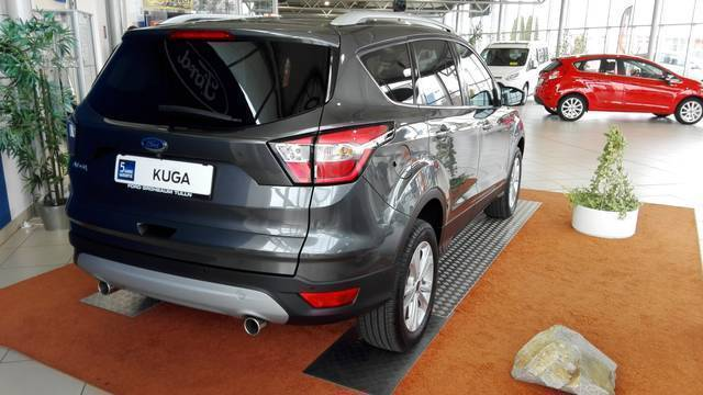 verkauft ford kuga 2017 titanium aut gebraucht 2016 0 km in tulln. Black Bedroom Furniture Sets. Home Design Ideas