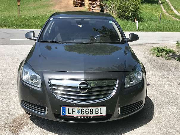 verkauft opel insignia limousine gebraucht 2010 km in lilienfeld. Black Bedroom Furniture Sets. Home Design Ideas