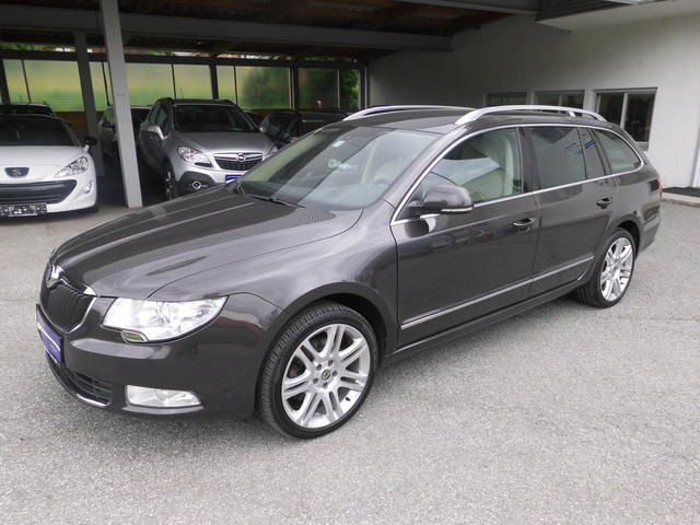 verkauft skoda superb combi 4x4 elegan gebraucht 2010. Black Bedroom Furniture Sets. Home Design Ideas