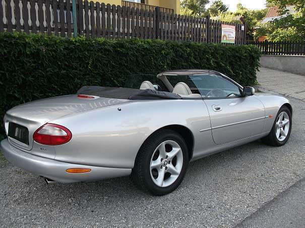verkauft jaguar xk8 4 0 cabrio roads gebraucht 2000. Black Bedroom Furniture Sets. Home Design Ideas