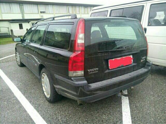 verkauft volvo v70 d5 automatic gebraucht 2002 km in straswalchen. Black Bedroom Furniture Sets. Home Design Ideas