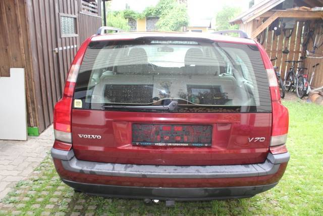 verkauft volvo v70 2 5 tdi gebraucht 2000 km in eugendorf. Black Bedroom Furniture Sets. Home Design Ideas