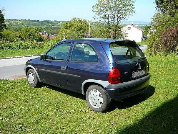 verkauft opel corsa 1 0 ecotec klein gebraucht 1999 km in forchtenstein. Black Bedroom Furniture Sets. Home Design Ideas