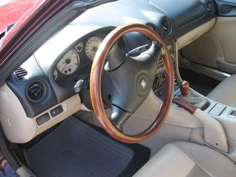 verkauft mazda mx5 elegance cabrio r gebraucht 2000. Black Bedroom Furniture Sets. Home Design Ideas