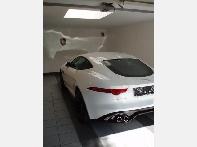 verkauft jaguar f type coupe 5 0 v8 r gebraucht 2015 km in leonding. Black Bedroom Furniture Sets. Home Design Ideas