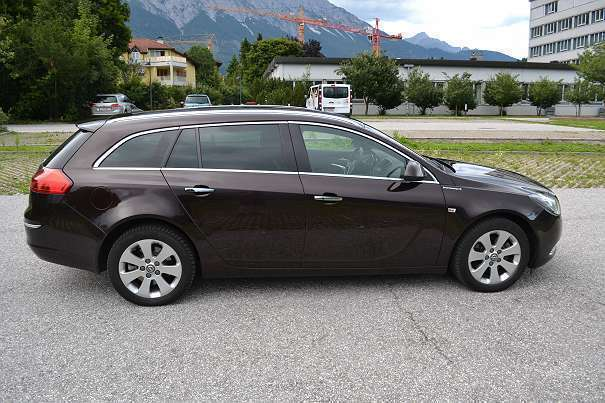 verkauft opel insignia st 2 0 cosmo cd gebraucht 2011 km in hall in tirol. Black Bedroom Furniture Sets. Home Design Ideas