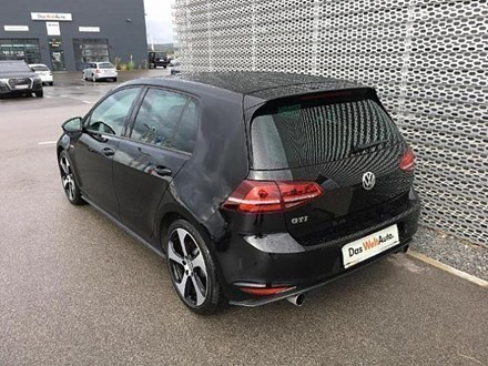 verkauft vw golf gti gebraucht 2015 km in neusiedl am see. Black Bedroom Furniture Sets. Home Design Ideas