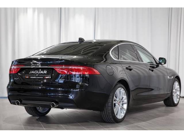verkauft jaguar xf 30d prestige aut gebraucht 2017 6. Black Bedroom Furniture Sets. Home Design Ideas