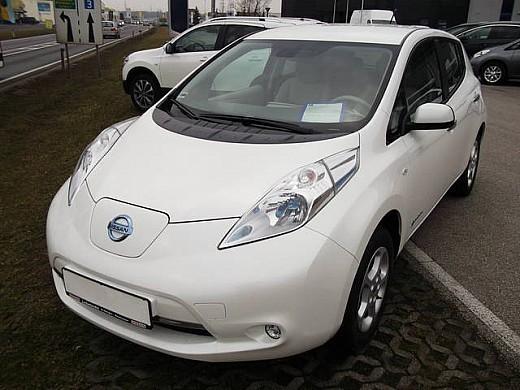leaf gebrauchte nissan leaf kaufen 51 g nstige autos zum verkauf. Black Bedroom Furniture Sets. Home Design Ideas