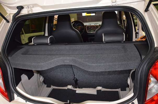 verkauft seat mii 1 0 by mango limousi gebraucht 2015. Black Bedroom Furniture Sets. Home Design Ideas