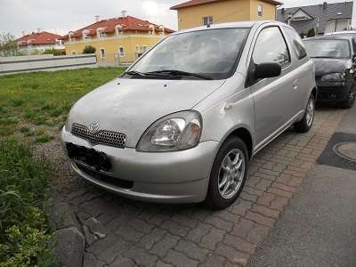 verkauft toyota yaris 1 3 vvt i kompak gebraucht 2001 km in m dling. Black Bedroom Furniture Sets. Home Design Ideas