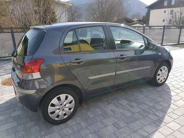 verkauft toyota yaris 1 33 dual vvt i gebraucht 2009 km in salzburg umgebung. Black Bedroom Furniture Sets. Home Design Ideas