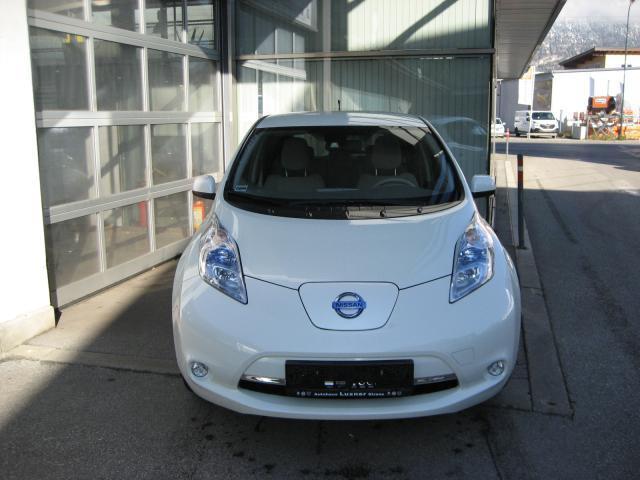 Nissan Leaf Gebraucht : verkauft nissan leaf elektro gebraucht 2012 km in strass ~ Aude.kayakingforconservation.com Haus und Dekorationen