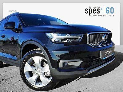 gebraucht Volvo XC40 D4 Momentum Pro AWD Geartronic SUV / Geländewagen