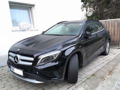 gebraucht Mercedes GLA200 GLA-Klasse4MATIC Automatic SUV / Geländewagen