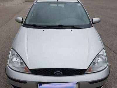 gebraucht Ford Focus FocusAmbiente 1,4 Benzin - 07/2021 Klein-/ Kompaktwagen
