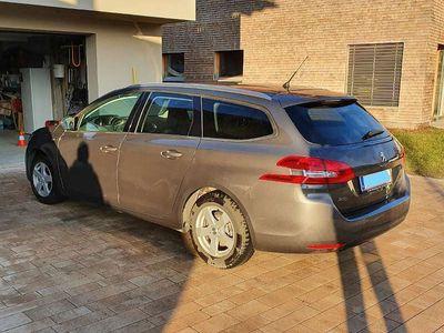 gebraucht Peugeot 308 SW 1,6 BlueHDi 100 Style S&S Kombi / Family Van