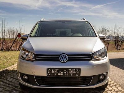 gebraucht VW Touran 2.0 TDI BlueMotion, DSG Kombi / Family Van,