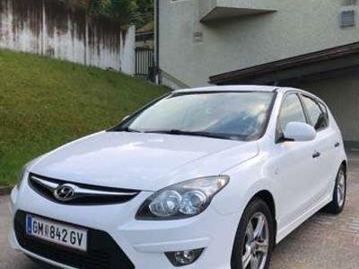 gebraucht Hyundai i30 1,6 CRDi Europe blue drive DPF