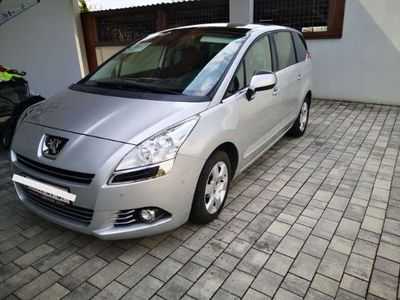 gebraucht Peugeot 5008 1,6 HDI 115 FAP Professional Line Kombi / Family Van