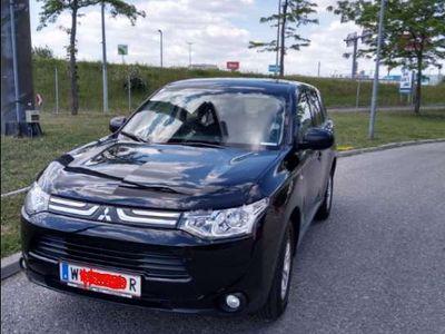 gebraucht Mitsubishi Outlander 2,0 2WD Invite AS+G SUV / Geländewagen