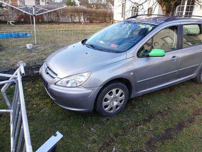 gebraucht Peugeot 307 1.6 HDI Kombi / Family Van