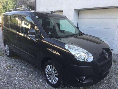 gebraucht Fiat Doblò 1,6 16V JTD Multijet Emotion DPF 5 sitzer Kombi / Family Van,
