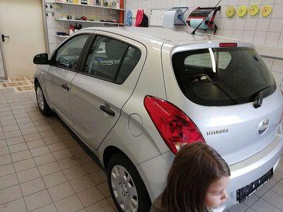 gebraucht Hyundai i20 1,25 life Klein-/ Kompaktwagen
