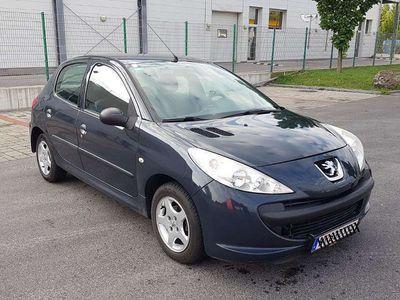gebraucht Peugeot 206+ Junior 5T 1,1 Klein-/ Kompaktwagen
