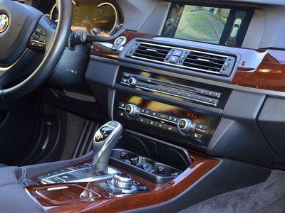 gebraucht BMW 530 5er-Reihexdrive MEGAVOLL Standheizung,4-Zonen Klima Kombi / Family Van