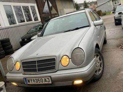 gebraucht Mercedes E290 Classic TD Aut. *WENIG KM*