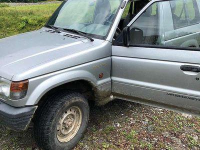 gebraucht Mitsubishi Pajero MT 2,5 V24 SUV / Geländewagen,