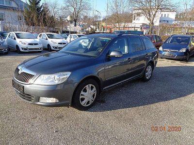 gebraucht Skoda Octavia Combi 1,4 TSI Elegance * Pickerl 6/2020 Kombi / Family Van