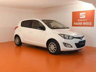 gebraucht Hyundai i20 1,25 Life Go *Serviceheft vollständig*