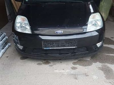 gebraucht Ford Fiesta 1,4 Trend Limousine
