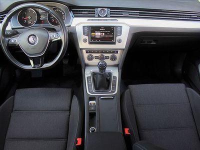 gebraucht VW Passat Comfortline 1,6 TDI *Topausstattung* Limousine,